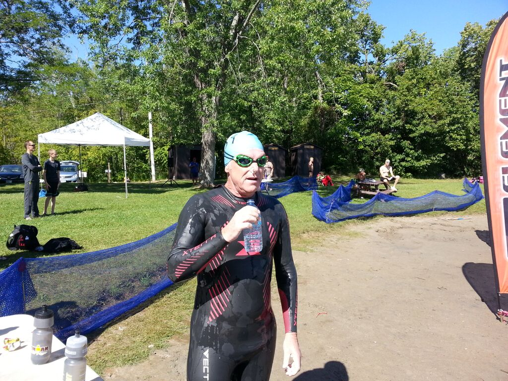 Gerry Kelly, stopping for some hydration... but earning his GSS points the hard way.... in the 10K.