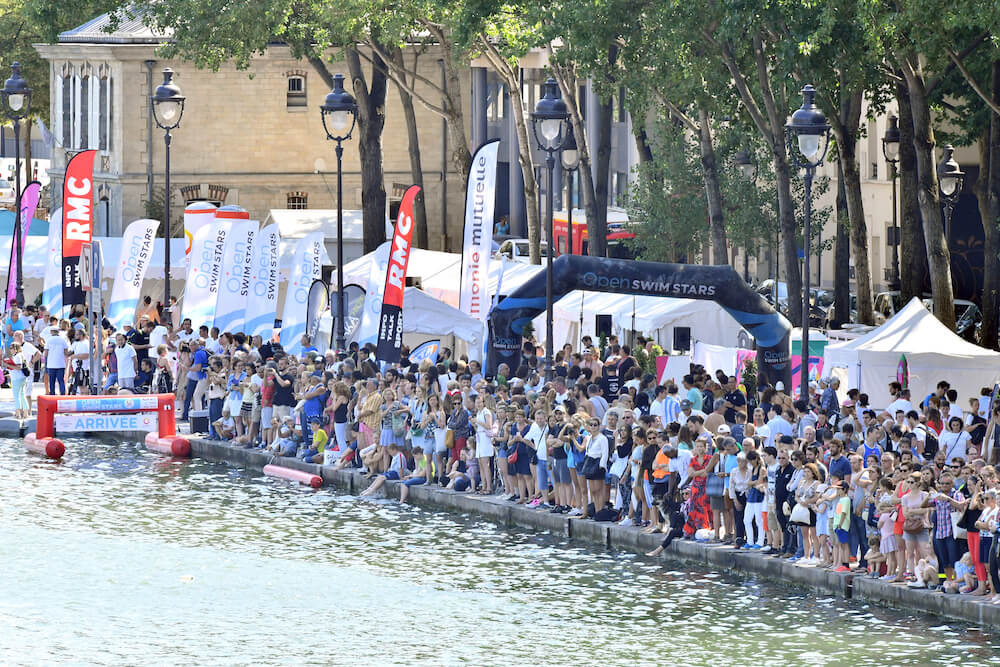 2 500 people to swim through paris be one of them for Where to swim in paris